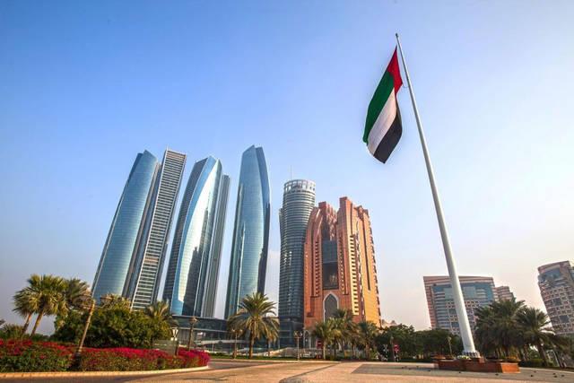 الإمارات تسمح بتجديد تأشيرة الزيارة حتى 6 أشهر بدون مغادرة