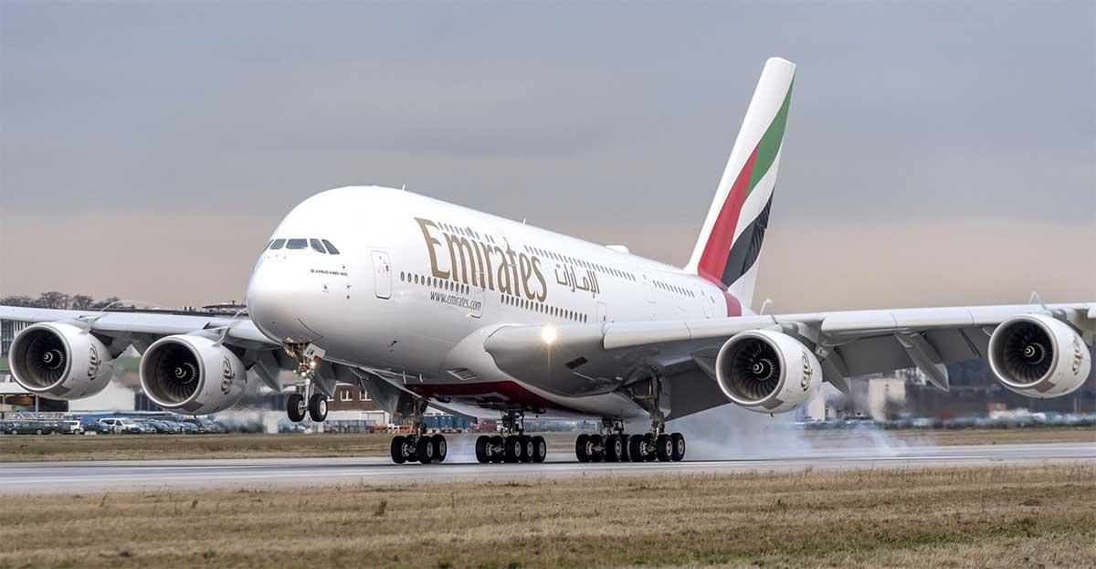 طيران الإمارات تعفي عملاءها من رسوم تغيير مواعيد السفر اعتبارا من اليوم