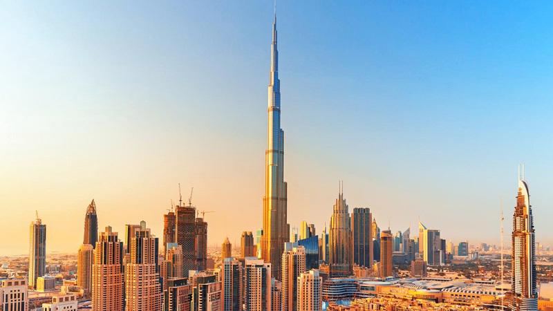 الإمارات الأولى إقليمياً بعولمة الاقتصاد