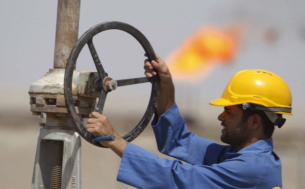 النفط يهبط لأدنى مستوى في شهرين بعد نتيجة استفتاء اليونان