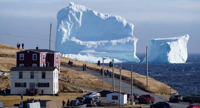 إماراتي يوفر المياه العذبة لبلاده من جبل جليدي