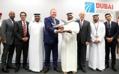 32.3 مليار درهم طلبية طيران الإمارات لشراء 30 دريملاينر