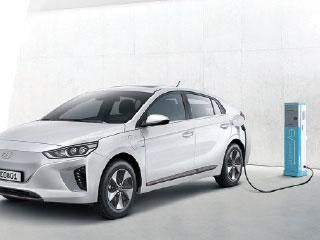 «الكهربائية» محرك النمو لقطاع السيارات في الإمارات حتى 202