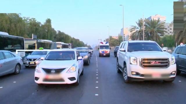 أبوظبي تعدل مخالفة أولوية الطريق لمركبات الطوارئ