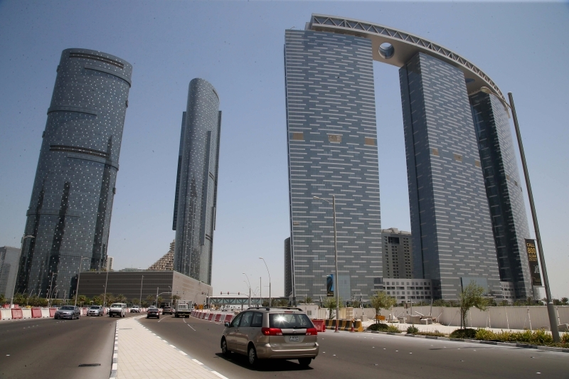 Experts: Abu Dhabi real estate is strong in the face of crises