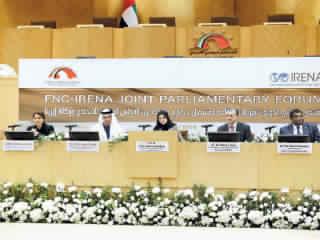 القبيسي: الإمارات أكثر التزاماً بتعزيز الطاقة المتجددة