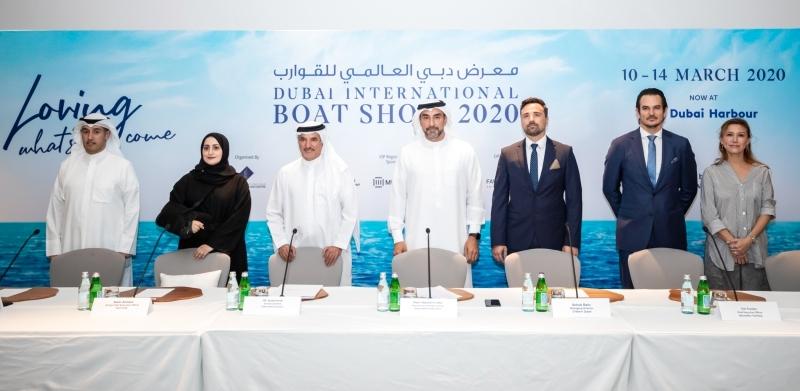 800 شركة تعرض 450 قارباً في دبي