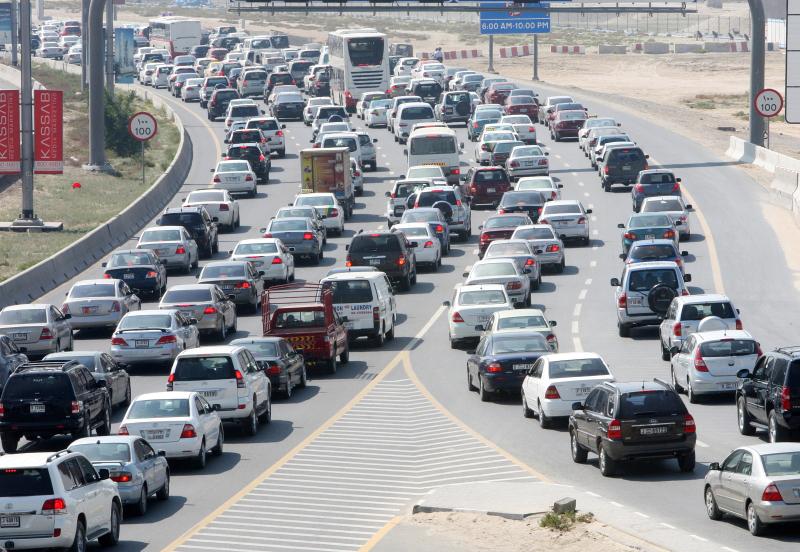 «مواصفات» تمنع دخول 6 آلاف مركبة غير مطابقة