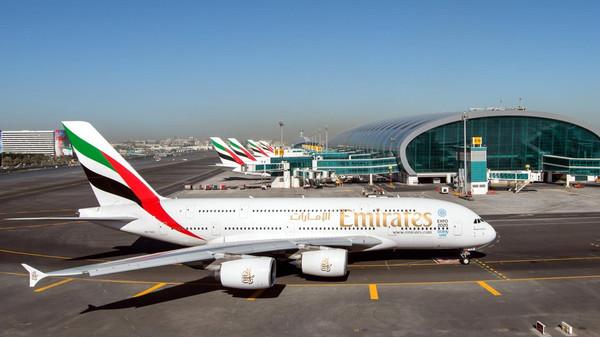 طيران الإمارات تتجه لطلب مشروط لشراء طائرات بوينج 787