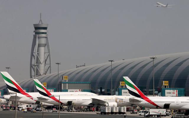 مطارات دبي تعلن عودة العمليات بعد الإيقاف المفاجئ