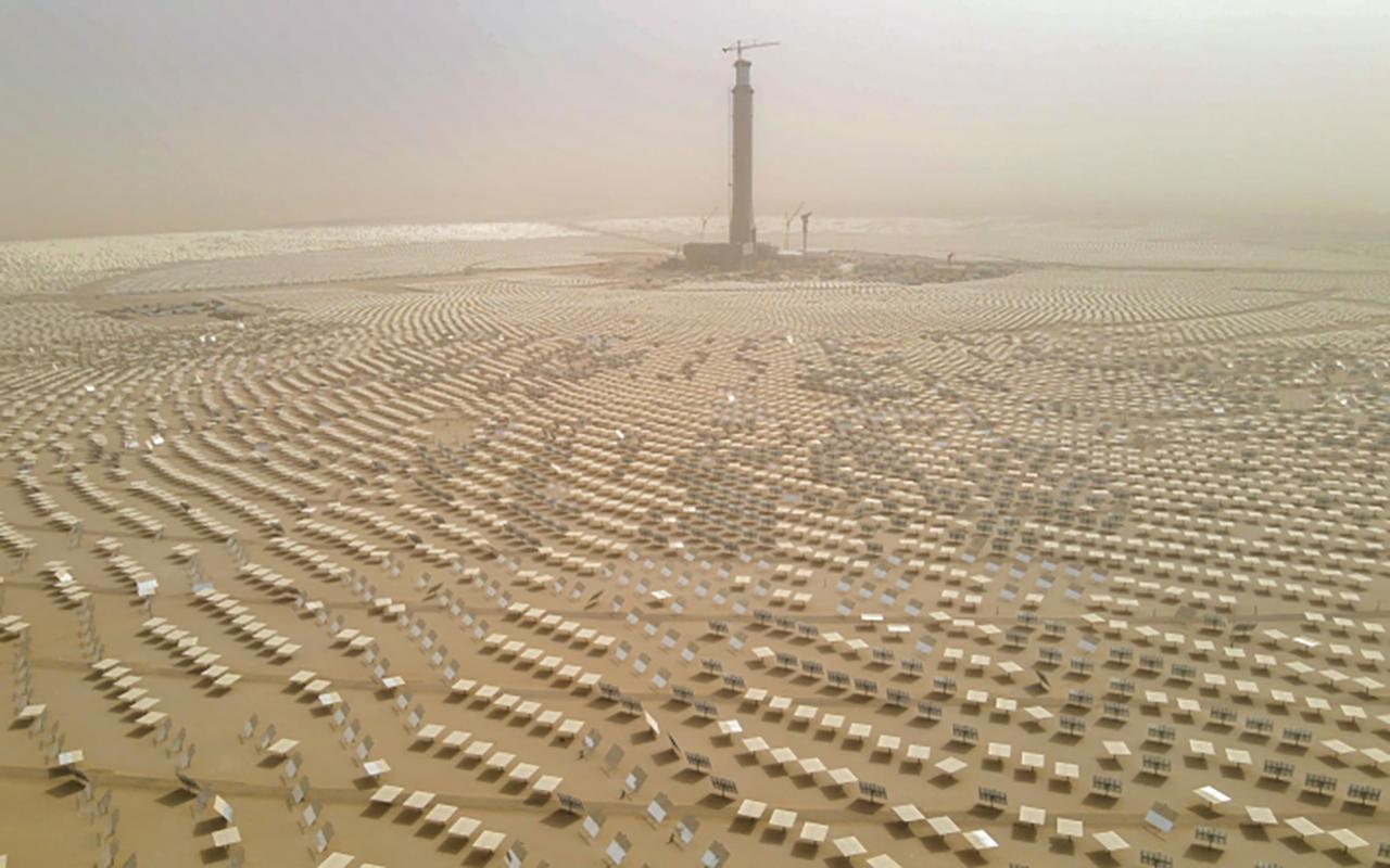 «إيكونومست»: الإمارات تقود مستقبل الطاقة المتجددة خليجياً