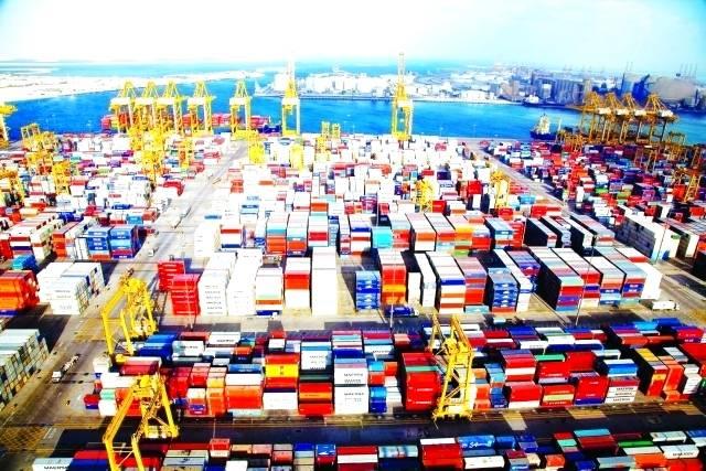 دبي ضمن أنشط مراكز التجارة البحرية بالعالم