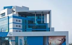 بنك الفجيرة الوطني ينقل مركز عملياته بالشارقة ويفتح فرعاً جديداً