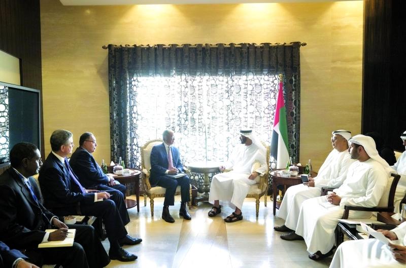 محمد بن زايد يبحث مع رئيس «البنك الدولي» آفاق التعاون