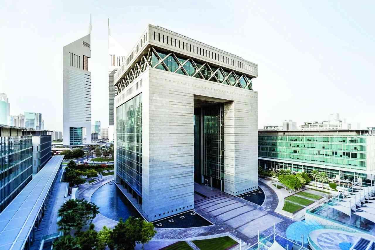 شركات دبي تواصل النمو للشهر العاشر على التوالي