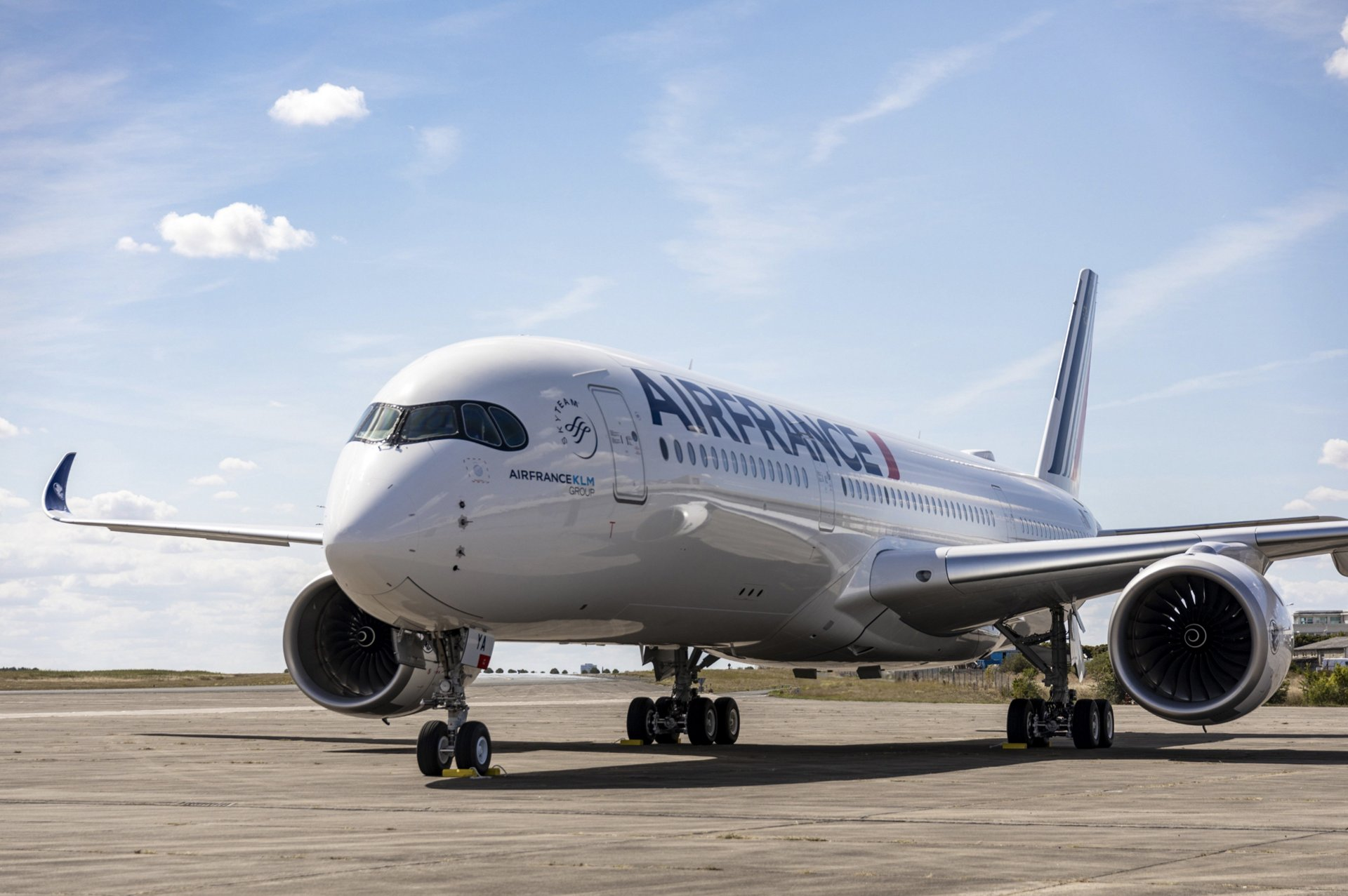 Airbus announces suspension of manufacturing at its sites in France and Spain due to Corona