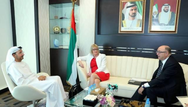 الإمارات تبحث مع أيرلندا تعزيز التعاون التجاري