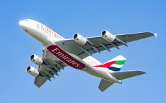 Emirates Airline has signed a deal to buy 70 Airbus aircraft worth $ 21.4 billion