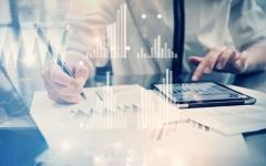 دبي تحوّل التحديات الاقتصادية إلى فرص عبر التقنيات الحديثة