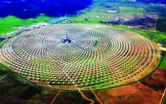 «أبوظبي للتنمية» يموّل 70 مشروع طاقة متجددة بـ 4.4 مليارات