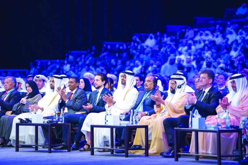 محمد بن زايد: الإمــارات تضمــن أمــن الطاقة عبر مزيج متنوع من الموارد
