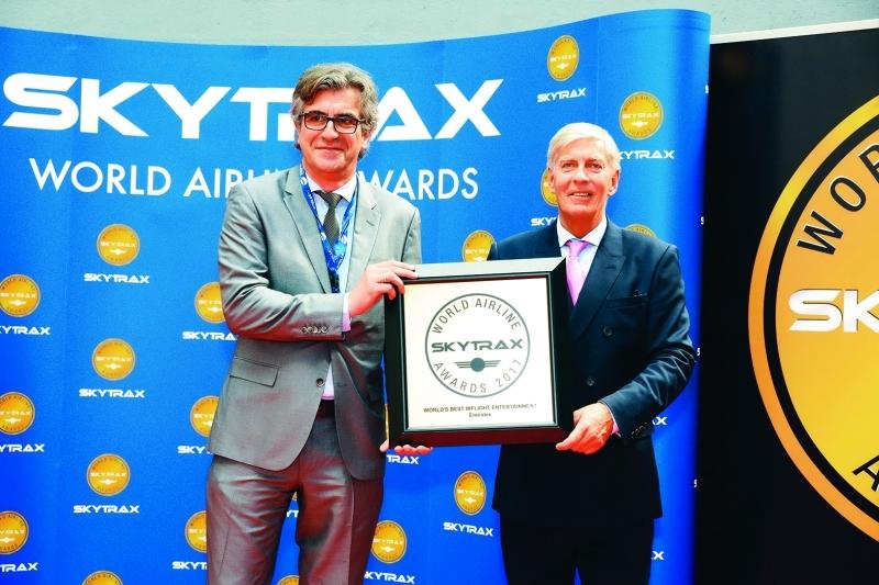 طيران الإمارات الأفضل في العالم بـ«الترفيه الجوي»