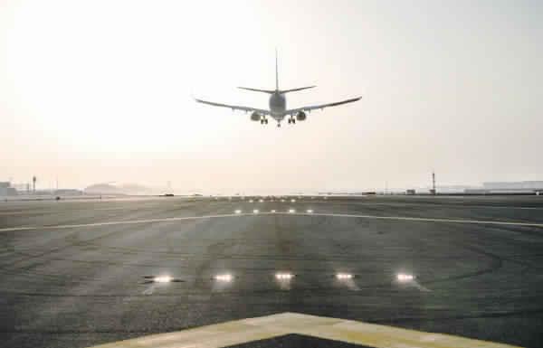 «طيران الإمارات» تخفض رحلاتها لـ 111 وجهة لمدة 45 يوماً