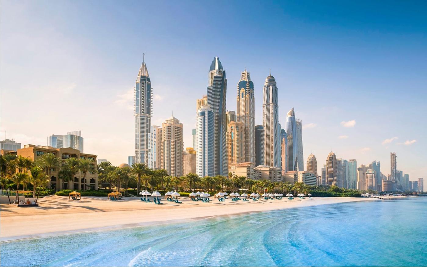 سياحة دبي تفتح زيارة الشواطئ الفندقية لغير النزلاء